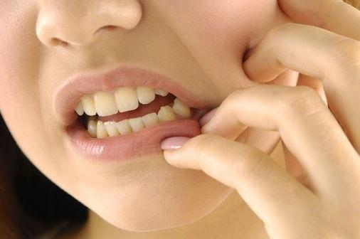 Болит зуб мудрости при нажатии на него